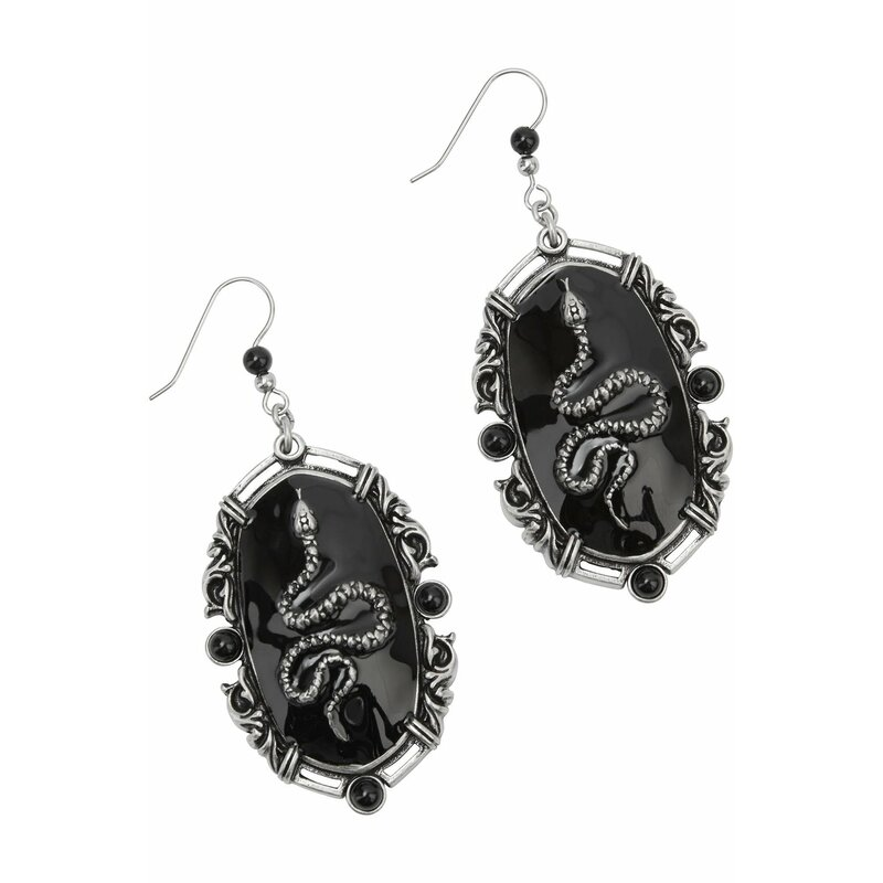 Killstar Earrings - Kissing Eve
